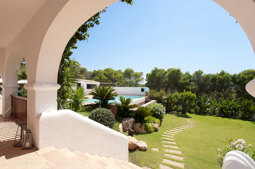 Luxury Villa in Cala Gració with the sea front and access to the beach